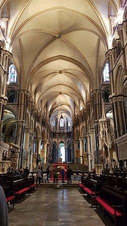 Canterbury Cathedral: Beautiful interior