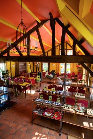 Vascoeuil, France : RESTAURANT-SALON DE THE LA CASCADE