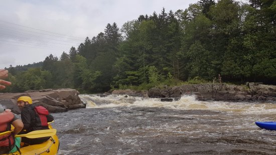 Grenville-sur-la-Rouge, Kanada: small rapid bump