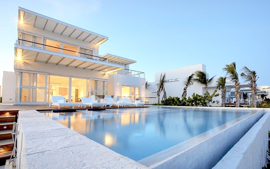 Blue diamond luxury boutique hotel mexico riviera maya for Best value luxury hotels
