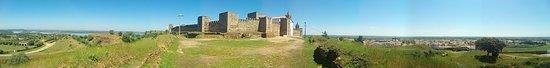 Mourao, Portugal: vista panomâmica do castelo
