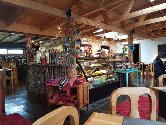 HOSTAL AMERINDIA PATAGONIA: Great little cafe