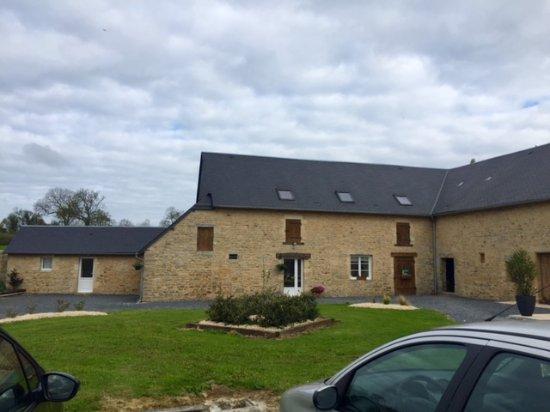 Asnières-en-Bessin, France : une partie de la vue interieure de la ferme