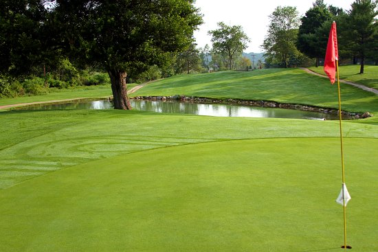 Hills' Heart of the Lakes Golf Course
