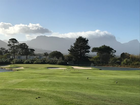 Tokai, South Africa: Lots of sand on the course