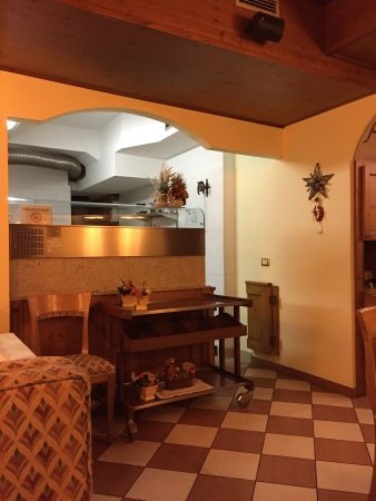 Hotel Restaurant Pizzeria Scarpone: photo0.jpg