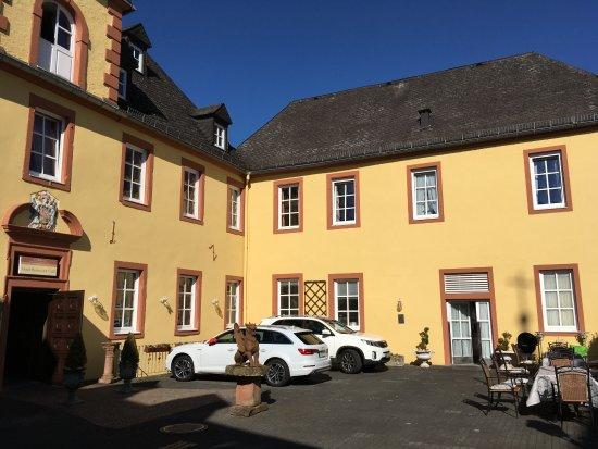 Schloss-Hotel Kurfurstliches Amtshaus: Eingang zum Hotel