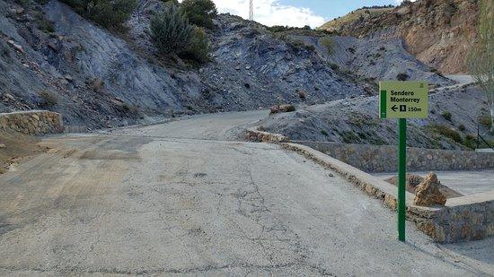 Laujar de Andarax, Spania: Cartel que nos dirige al inicio del sendero