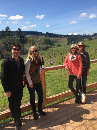 Access Oregon Wine Tours: Beautiful day!