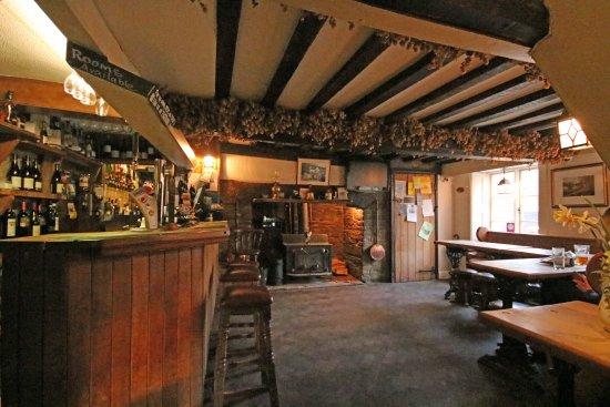 The Bridge Inn - Michaelchurch Escley: Main Bar area