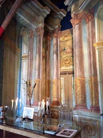 Restaurant van tarel historic decor pieces from the groningen theatre for decoration