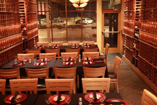Rancho Cordova, Kaliforniya: Private room up to 36 guests, 4 tables of 9