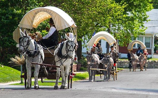 Independence, MO: Pioneer Trails Wagon Train