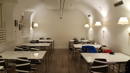 Birka Hostel: Common dining room