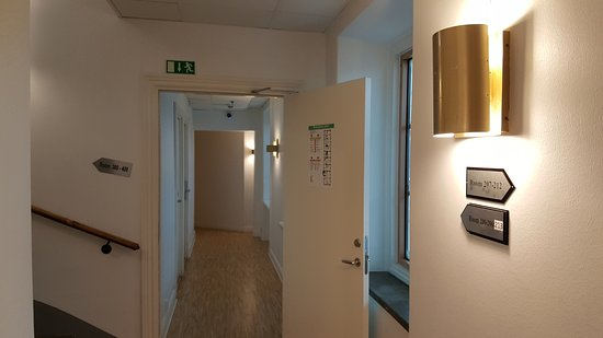 Birka Hostel: Corridor to rooms
