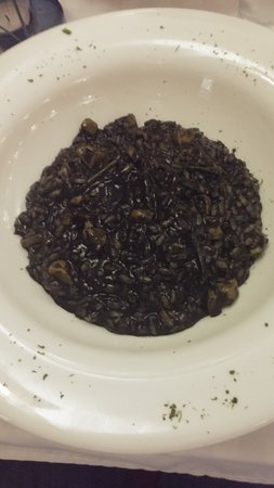 Plomin, โครเอเชีย: Black cuttlefish risotto