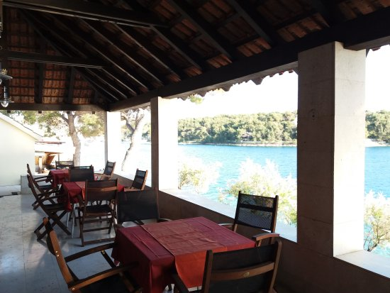 Milna, Croatia: Prepairing  the restaurant for the best season ever; Luka & Marina just 200m further than before