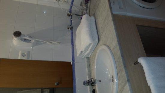 Hotel Arrahona: 20170414_122002_large.jpg