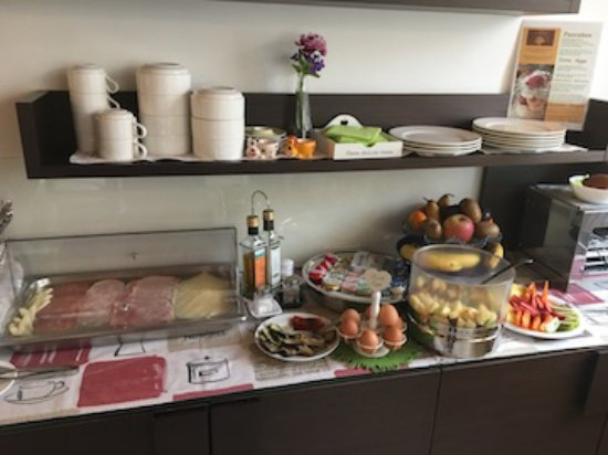 Hotel Rovere: Part of Breakfast foods