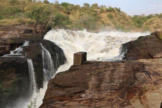 Murchison Falls National Park, Uganda: LE CHAUDRON EN HAUT DES CHUTES