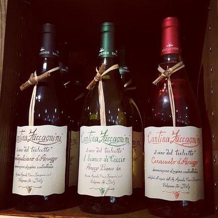 Salumeria Cafe & Deli Shop: beautiful wines from Abruzzo
