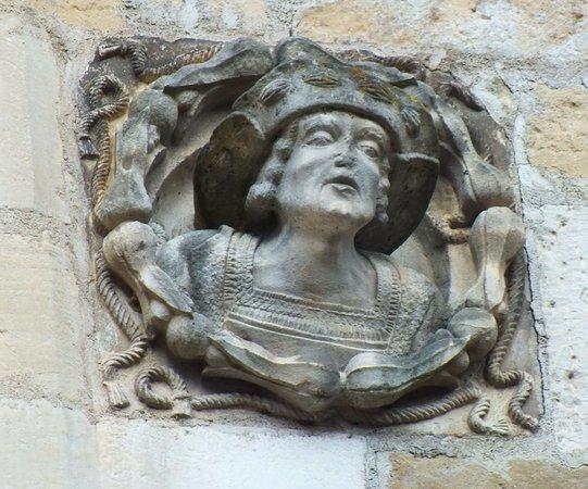 Beaulieu-sur-Dordogne, Prancis: détail