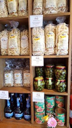 Salumeria Cafe & Deli Shop: artisan pasta, Sicilian olives, gold balsamic!