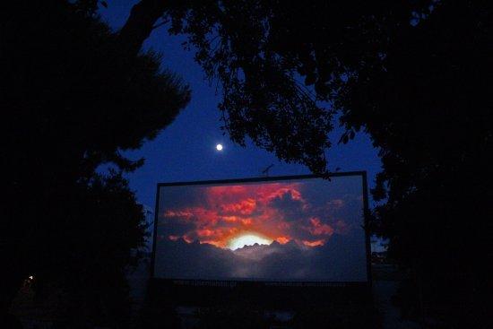 Αποτέλεσμα εικόνας για open-air cinema mykonos