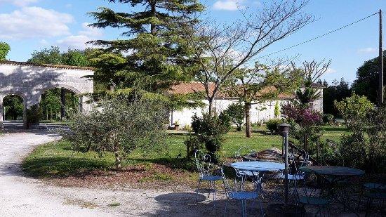 Jarnac Champagne, فرنسا: jardin