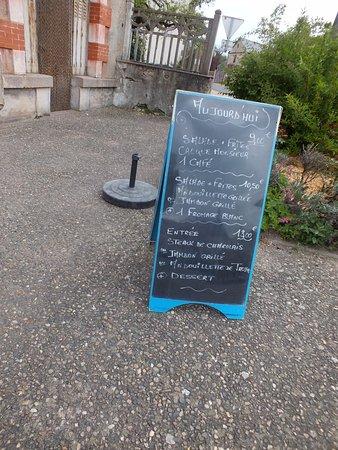 Lapalisse, France: les menus