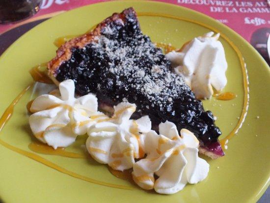 Lapalisse, France: tarte aux myrtilles