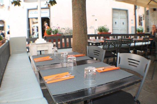 La Piazzetta: i tavoli