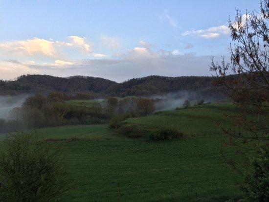 Mas La Serra: Vistas desde casa rural