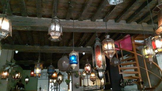 Ronda. Restaurant met een geweldige Marokkaanse sfeer, geweldige koffie en zeer vriendelijke bed