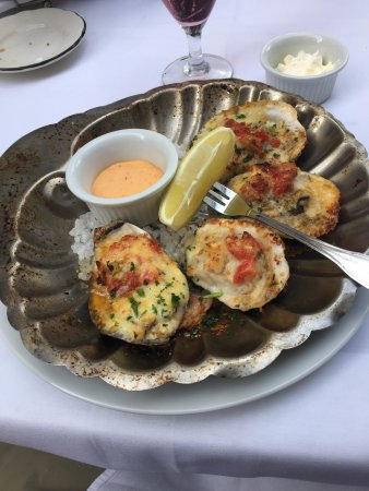 The Pelican Club: Baked Oysters