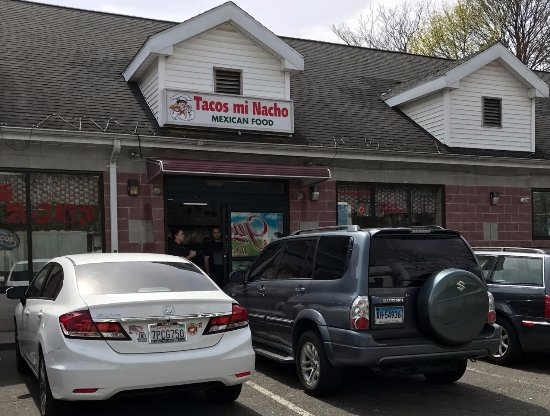 Meriden, CT: front of Tacos Mi Nacho