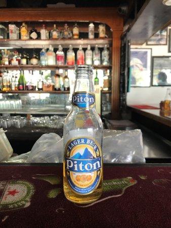 Spinnakers Beach Bar & Grill: photo1.jpg