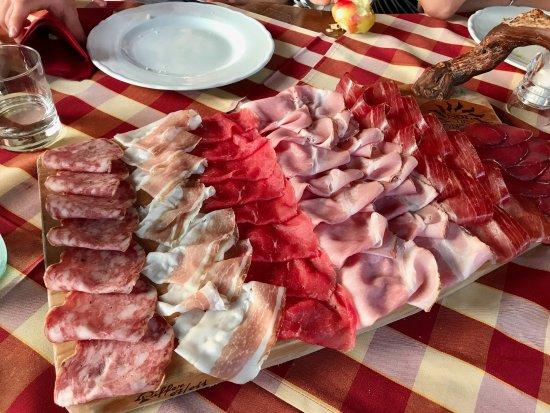 Rivoli Veronese, Ιταλία: affettato di casa