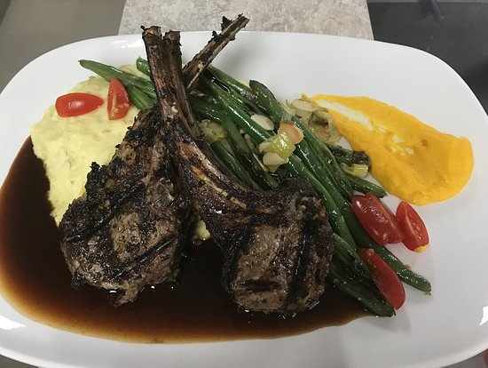 Howell, MI: Lamb Chops