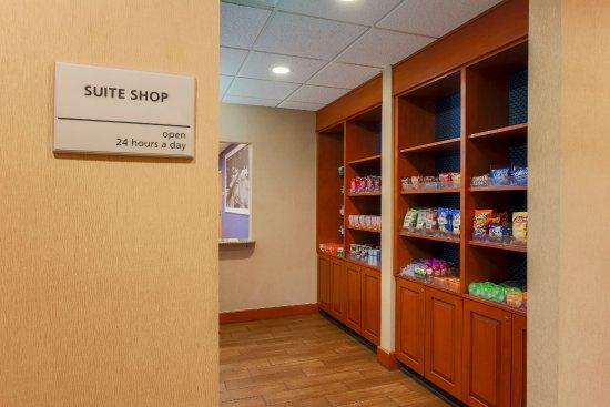 West Haven, CT: Suite Shop
