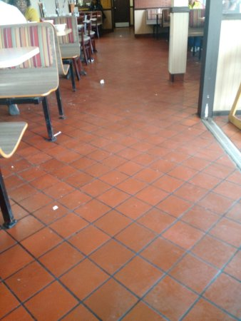 Kingstree, SC: Nasty Floor