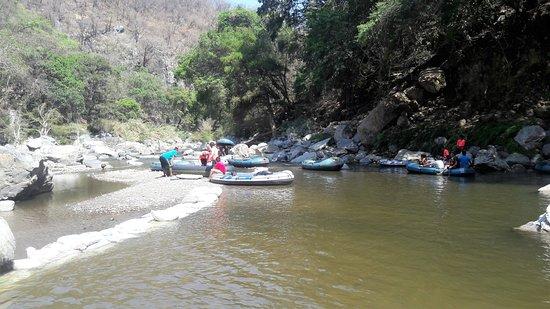 Parque Nacional Grutas de Cacahuamilpa: Paseo en balsa.