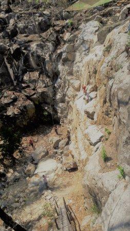Parque Nacional Grutas de Cacahuamilpa: Rapel.