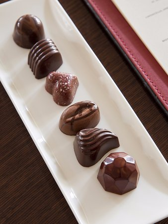 Wayne, Pensylwania: Custom Chocolates crafted by the Pastry Chef