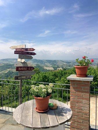 Sinio, Italy: Vista mozzafiato alla buonora! :)