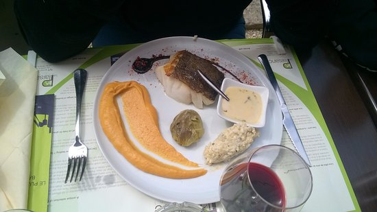 Bourg, France: Plat: cabillo sauce gingembre