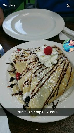 Cafe 20/20 Restaurant: Best crepe ever!