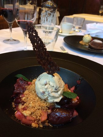 Safran Zunft: a miracle of fruits de bois and ice cream!!! unforgettable