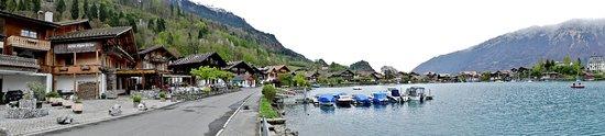 Iseltwald, Zwitserland: Vu Panoramique chalet du lac