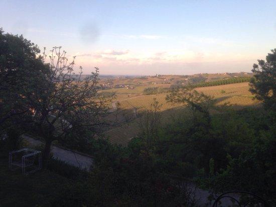 Neviglie, Ιταλία: photo1.jpg